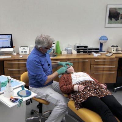 Praat mar Frysk by de ortodontist!